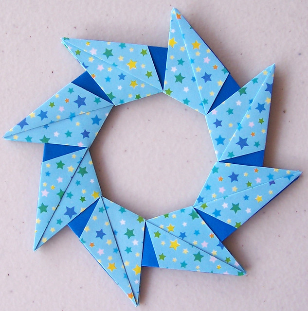 ORIGAMI RING WREATH