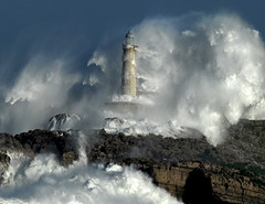THE POWER OF THE STORM II  / Foto: Rafael G. Riancho.Faro de Mouro.Santander.RAFA RIANCHO photo by Rafael González de Riancho (Lunada) / Rafa Rianch