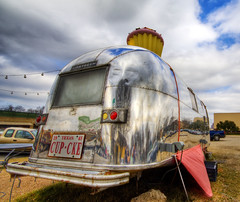 The Cup Cake Airstream of Austin photo by Stuck in Customs