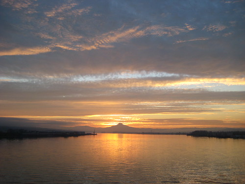 Sunrise over the Columbia River