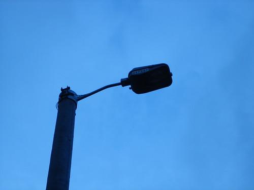 Venezuela busca la instalación de postes de luz que funcionen con ...