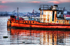 Rusty Boat 2 (Cais do Porto) photo by Omar Junior