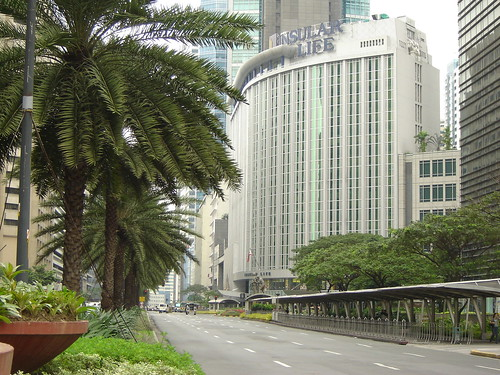 Ayala Ave. on a Saturday morning