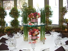 Dramatic Table Center Piece photo by lisarunolfson