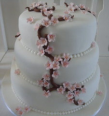 Cherry blossom wedding cake photo by Himmelske-kager