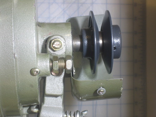 Hacking an industrial sewing machine by adjusting the clutch