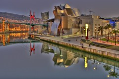 Museo Guggenheim, Bilbao/Bilbo photo by Chodaboy