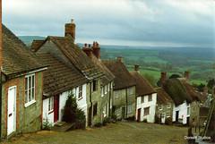 Gold Hill in the town of  Shaftesbury, Dorset, England, U.K.. photo by Dorsett Studios