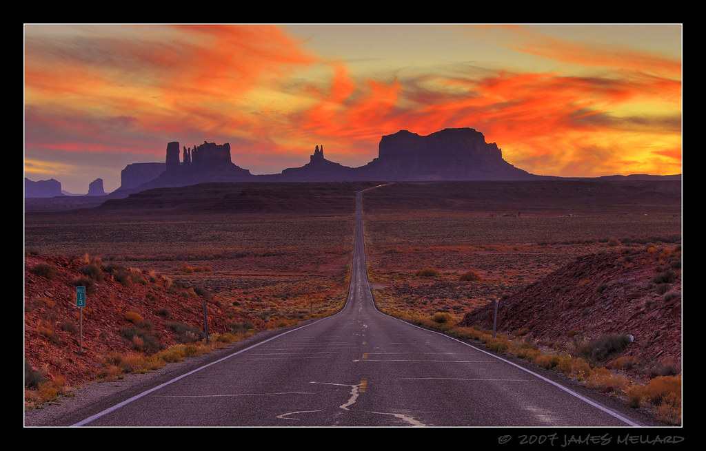 Monument Valley Sunset @ Mile Marker 13