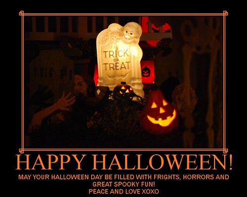 HAPPY HALLOWEEN! (by As Seen Through Hazel Eyes / Nelo)