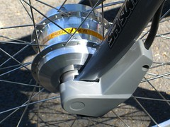 Giant Twist DX front-hub motor