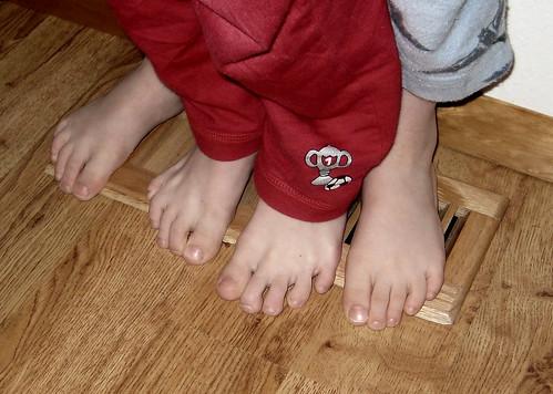 feet warming