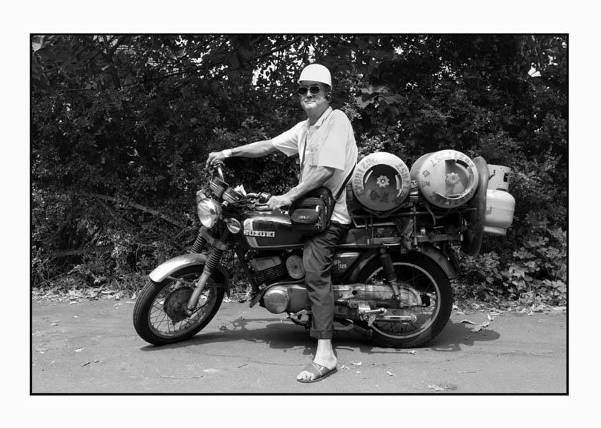 chou jun gui, a 60 yrs old gas deliveryman. july 2005