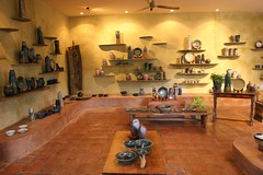 Ugo Pottery Gallery 8-28-2005 5-19-02 PM