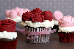 Rose Covered Cupcakes photo by Bakerella