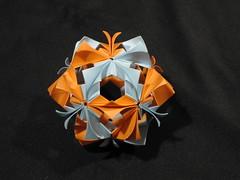Arabesque (Modular Origami)