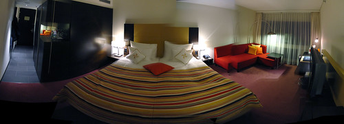 Four Points Sheraton hotel room [autostitch]