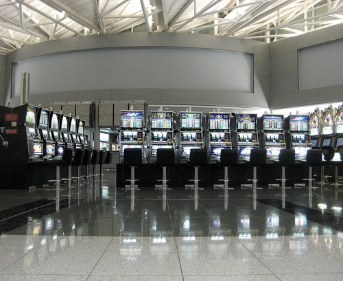 las veags airport slot machine heaven