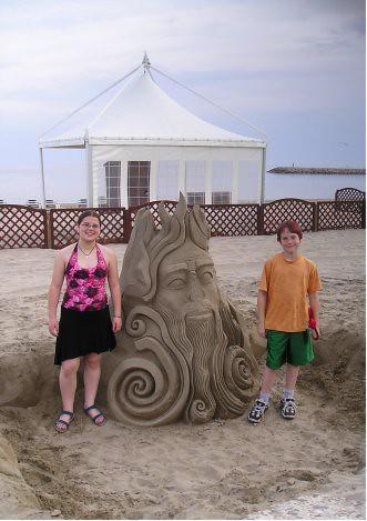 2005.06.sand.sculpture