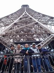 Di Tingkat Pertama Eiffel Tower, Paris, France