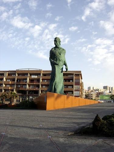 Alfredo Kraus Sculpture