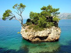 small island photo by giancarlo.guadagnini