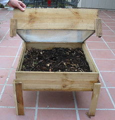 DIY wooden worm bin photo by www.ecoyardfarmer.com