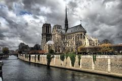 la cathédrale et le ciel - HDR photo by R.Duran
