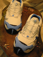 running shoes wedding cake photo by debbiedoescakes
