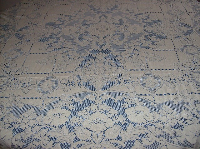 Vintage Quaker Lace Tablecloths websites