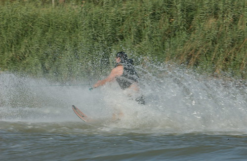 Waterskiing_1