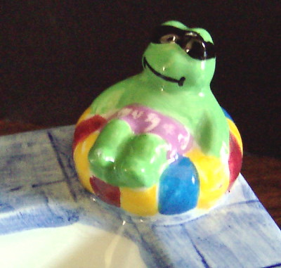 Cardinal - Frog on Tidbit Dish