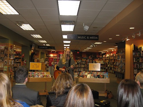 Tina Dico in Borders, Ann Arbor