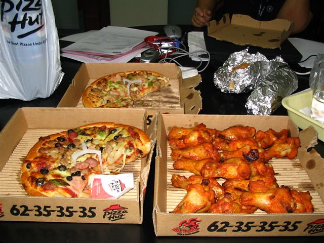 pizza hut singapore style the lunch spread from pizza hut i really ...