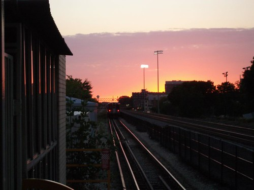 sunset_over_the_green_line