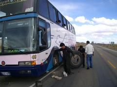 La Paz - 02 - Change bus tyre