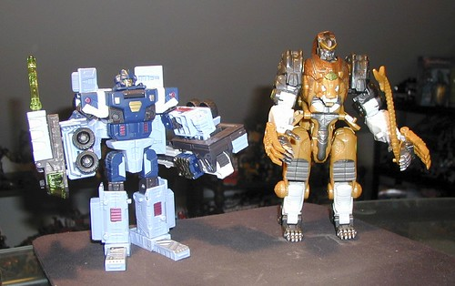October 17, 2005 - Cybertron Mudflap and Leobreaker