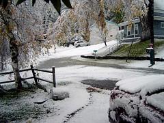 [ snow! 23-Oct-2005 ]