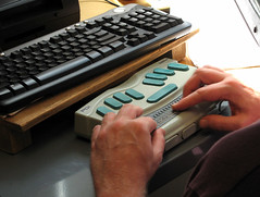 Flickr: Refreshable Braille device in action