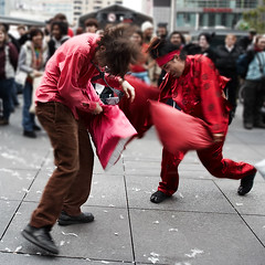 pillowfight_pillowdance