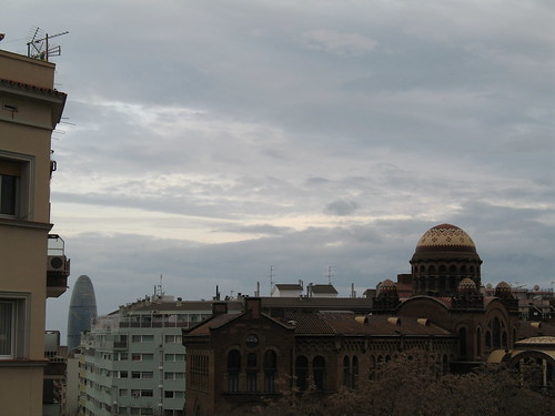 Hospital de Sant Pau i la torre Agbar