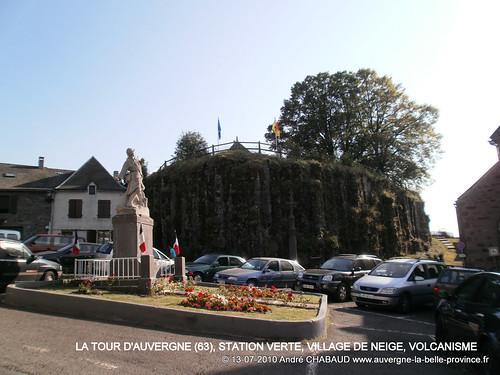 LA TOUR D'AUVERGNE (63), STATION VERTE, VILLAGE DE NEIGE