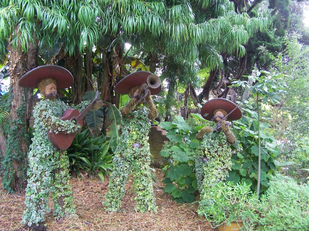 Encinitas Gardens photo by jason.godbey