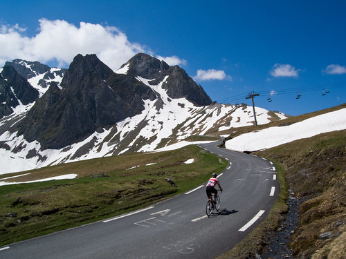 Col du Tourmalet nearing top - east