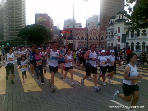 kl_marathon running to finish