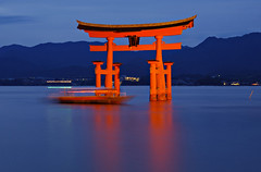 Miyajima Torii  Evening Cruise[Worldheritage] photo by h orihashi