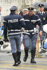 Polizia di Stato photo by Oscar in the middle