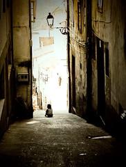 Sola en la calle - Alone in the street photo by Dani_vr