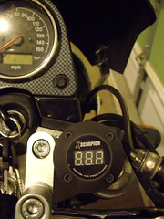 volt meter mounted on SV650