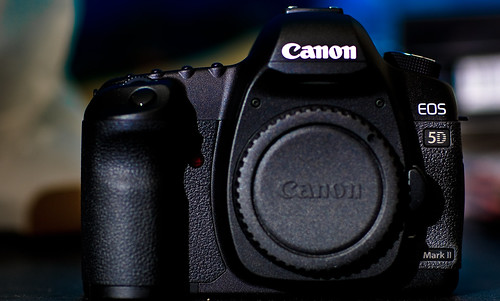 3163078883 4d3dd4b71e Oh Snap | Canon EOS 5D Mark II – The Making Of The Trainer